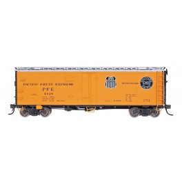 INTERMOUNTAIN 47421 - R40-25 REEFER - PACIFIC FRUIT EXPRESS