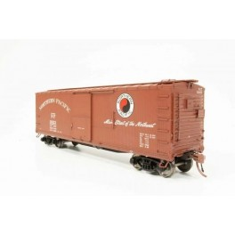 RAPIDO 130018 - NORTHERN PACIFIC DOUBLE SHEATHED BOXCAR - 1951 MAINSTREET VERSION
