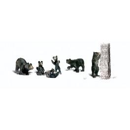 WOODLAND A2737 PAINTED FIGURES - BLACK BEARS - O SCALE
