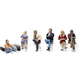 WOODLAND A2759 PAINTED FIGURES - PEOPLE SITTING - O SCALE