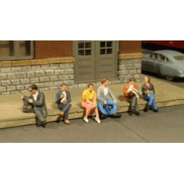 BACHMANN 33161 O SCALE PAINTED FIGURES - SEATED PEOPLE